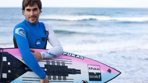 Aritz Aranburu, el español en la élite del surf