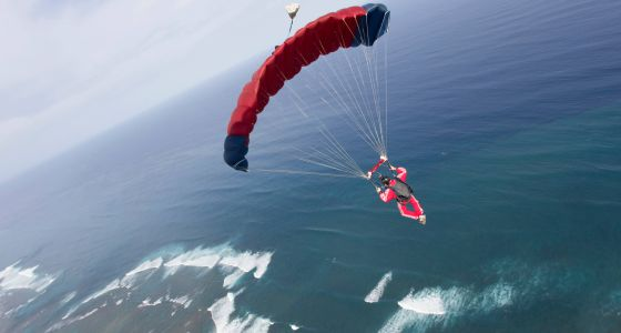 El paracaidismo es una fuente de beneficios para la salud