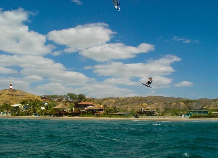 Máncora, el balneario peruano ideal para el Surf y el Kitesurf