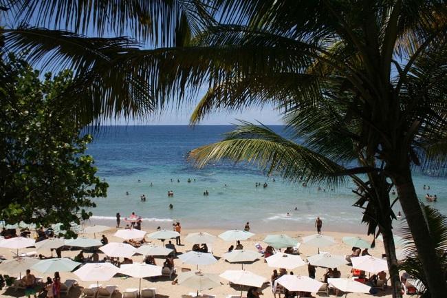 Corrales, la playa venezolana perfecta para los amantes del surf