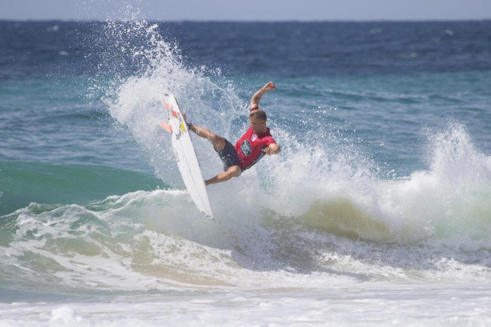 Davey Cathels y Welley Dantas destacaron en la Ronda 3 del Barbados Surf Pro 2018