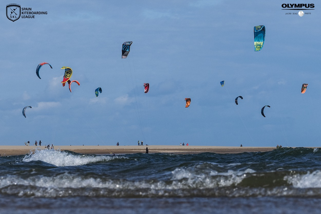 La Spain Kiteboarding League brilla en Isla Canela