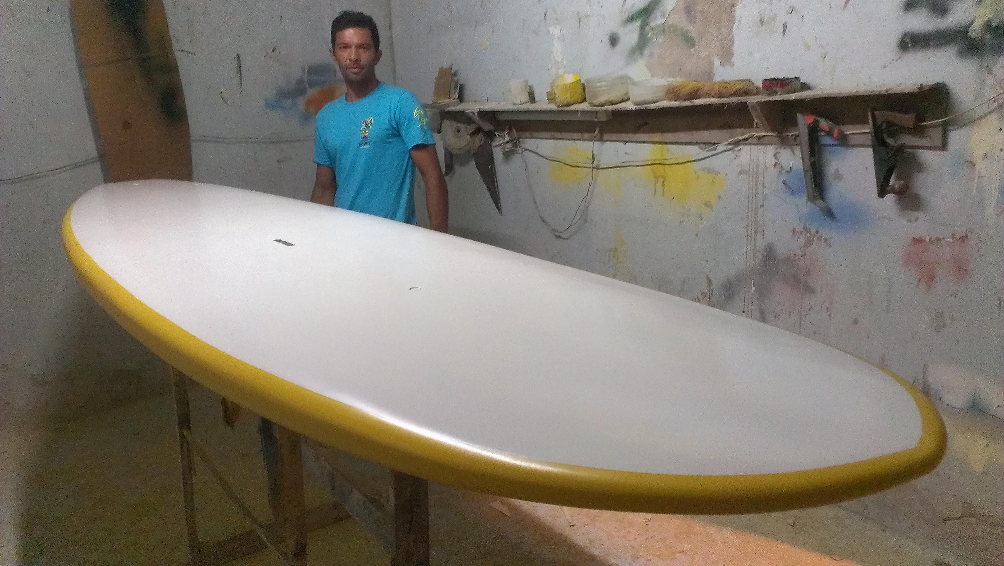 """El atleta Francisco """"Paiva"""" Hernández crea escuela de Paddleboard"""
