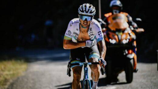 El kazajo Alexey Lutsenko protagoniza su escape del Tour de Francia 2020
